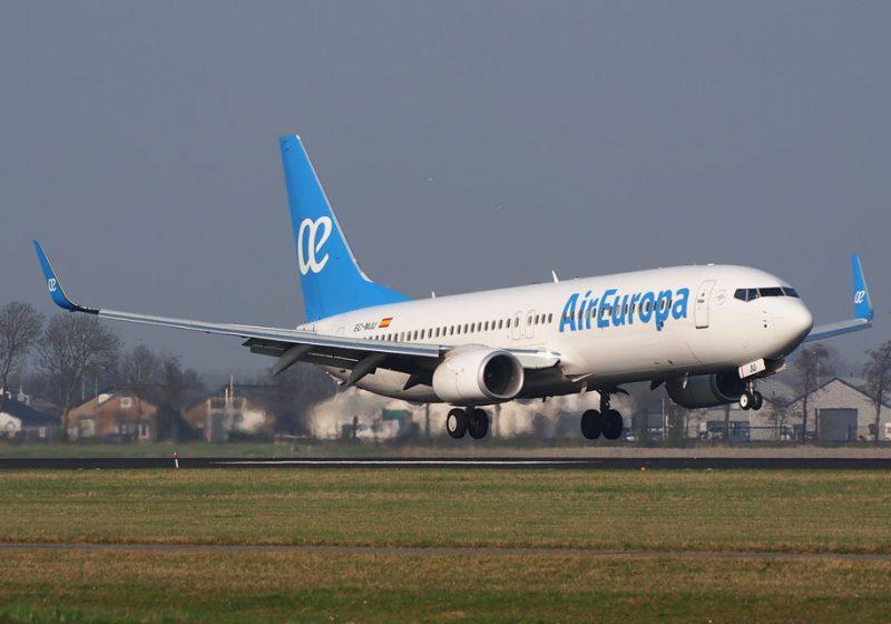 Los usuarios de avión aumentaron un 11,6% en octubre frente al crecimiento del 4,3% de los del AVE