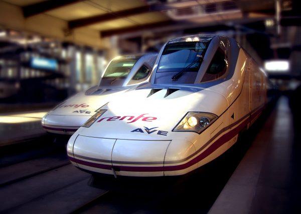 El AVE a Barcelona doblará su oferta de trenes con la entrada de competidores de Renfe