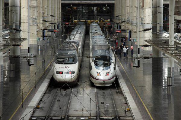 La compañía pública francesa SNCF y la italiana Trenitalia-Ilsa competirán con Renfe en el AVE