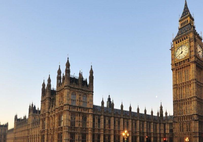 Inglaterra elimina la cuarentena para turistas de España y otros países