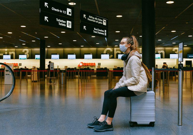 Reino Unido estudia hacer test a los viajeros procedentes de España