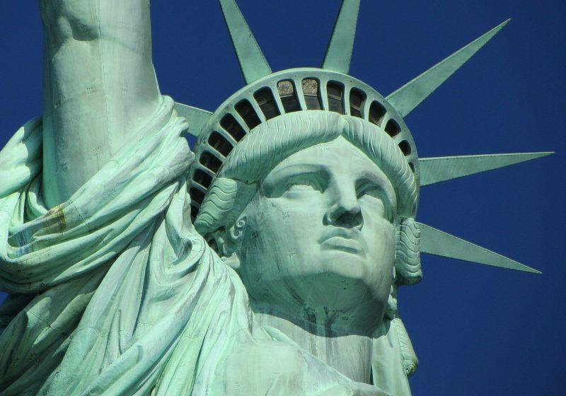 EEUU considera eliminar la prohibición de entrada para los europeos