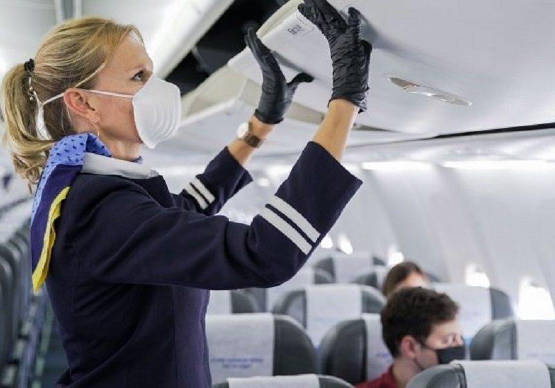 El 83% de los viajeros apoyan el uso de mascarilla en el avión